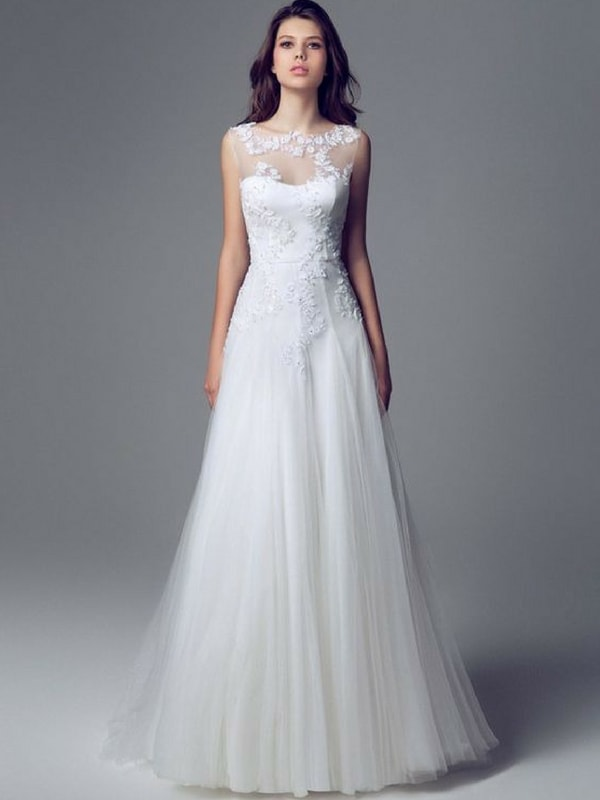 Pear Shaped wedding dress - blank canvas