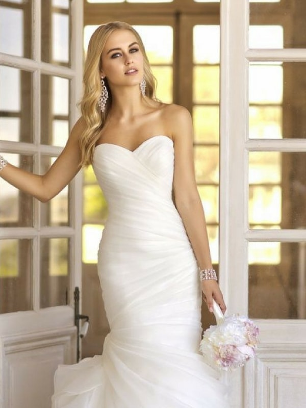 Small Chested wedding dress - blank canvas
